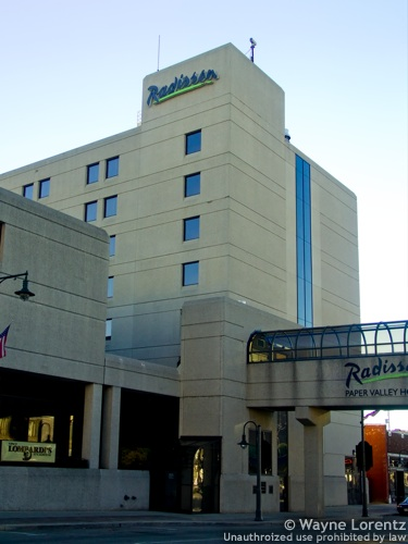 paper valley hotel appleton wi Radisson paper valley hotel appleton (wisconsin) in appleton: detailed information featuring users ratings and reviews, information about radisson paper valley hotel.